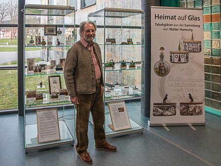 """Ausstellung """"Heimat auf Glas"""" im Glasmuseum Frauenau von Walter Hornung"""