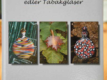 "Neues Fotobuch ""Vom Sammeln edler Tabakgläser"""