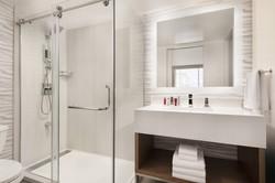 hnlmc-bathroom-9911-hor-clsc.jpg