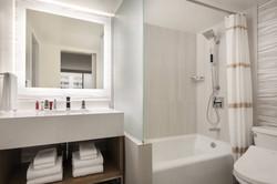 hnlmc-bathroom-9905-hor-clsc.jpg