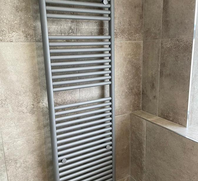 tissino hugo lusso grey heated towel rail