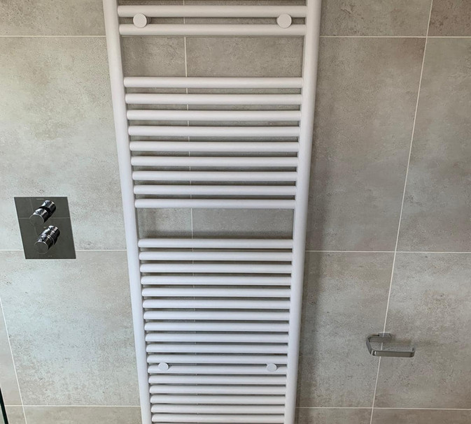 hugo tissino heated towel rail