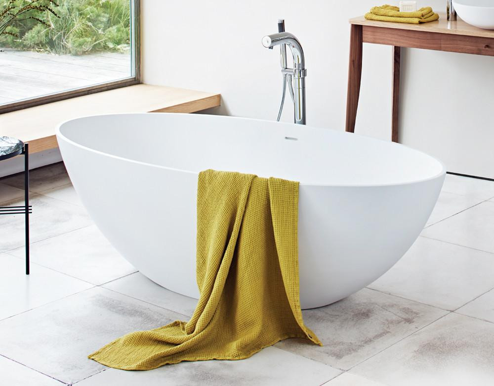 Ellipse freestanding bath