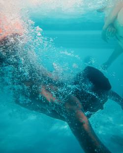 IMG-WEL-Pool-Dive-Underwater-thefraserja