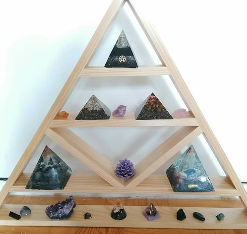 Estante Pirâmide 64x81cm