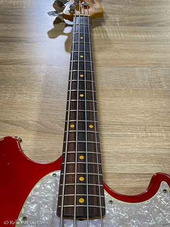 Fender Mustang Bass refin Candy Apple red relic