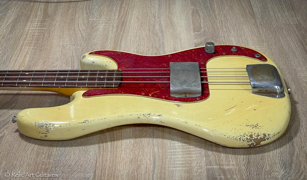Fender Precision Bass refin Vintage White relic