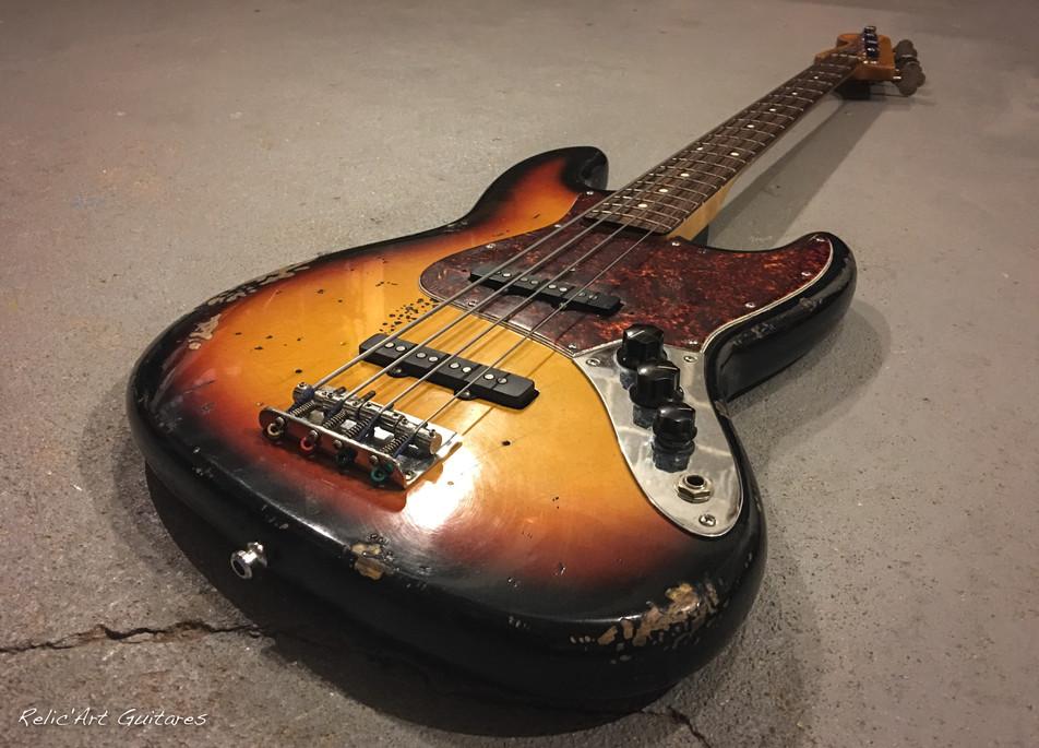 Fender Jazz bass sunburst relic