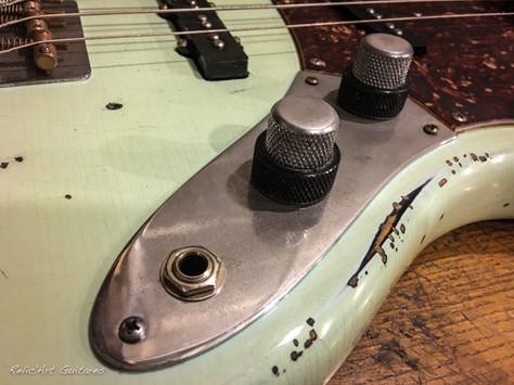 Fender Jazz bass surf green over sunburst relic