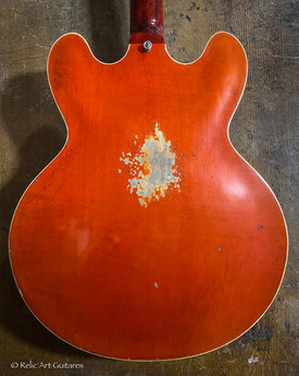 Gibson 335 refin faded cherry relic-4.jp