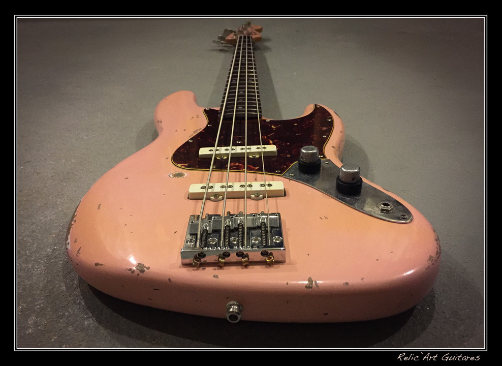 Fender Jazz bass shell pink relic