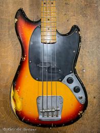 squier mustang bass sunburst relic-3.jpg