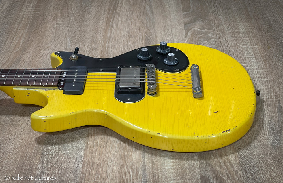 Gibson Melody Maker refin aged TV Yellow relic