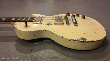Gibson Les Paul antique ivory relic