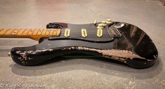 guitar strat jet black relic
