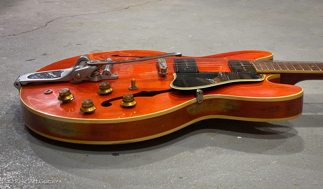 Gibson 335 refin faded cherry relic-5.jp