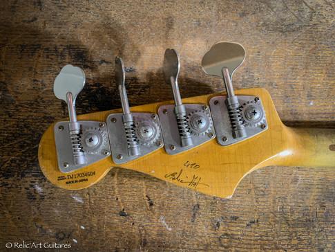 Fender Jazz Bass refin Daphe Blue relic