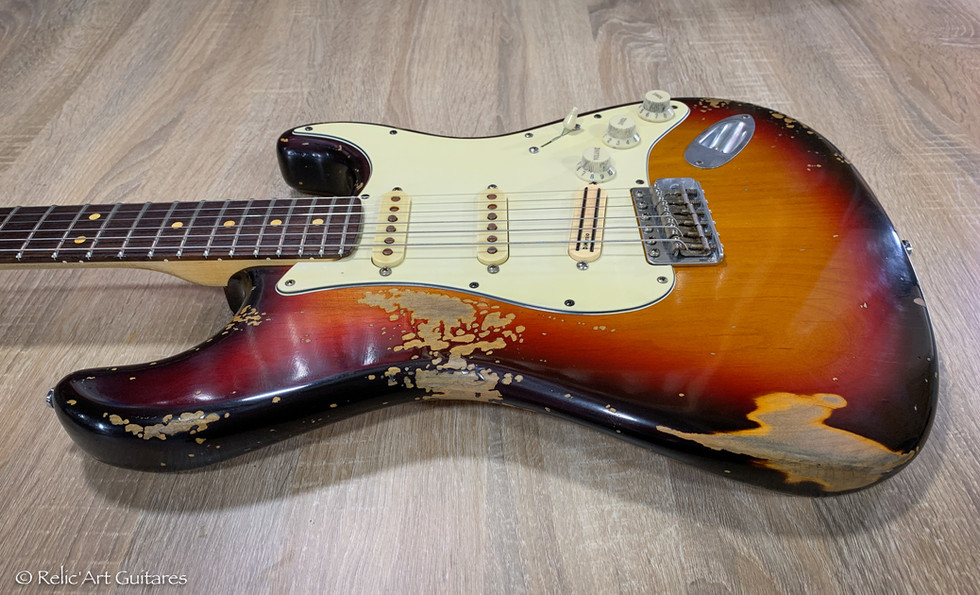 Fender stratrocaster Highway One refin sunburst relic