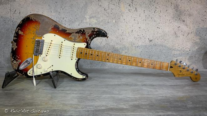 Fender strat refin sunburst relic.jpg