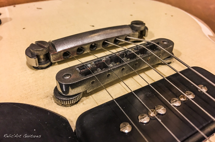 Gibson SG antique ivory relic