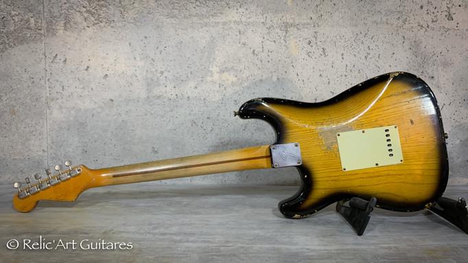 R'A strat refin sunburst 2 tones relic-2