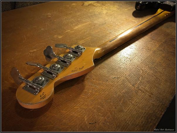 Bass jet black relic