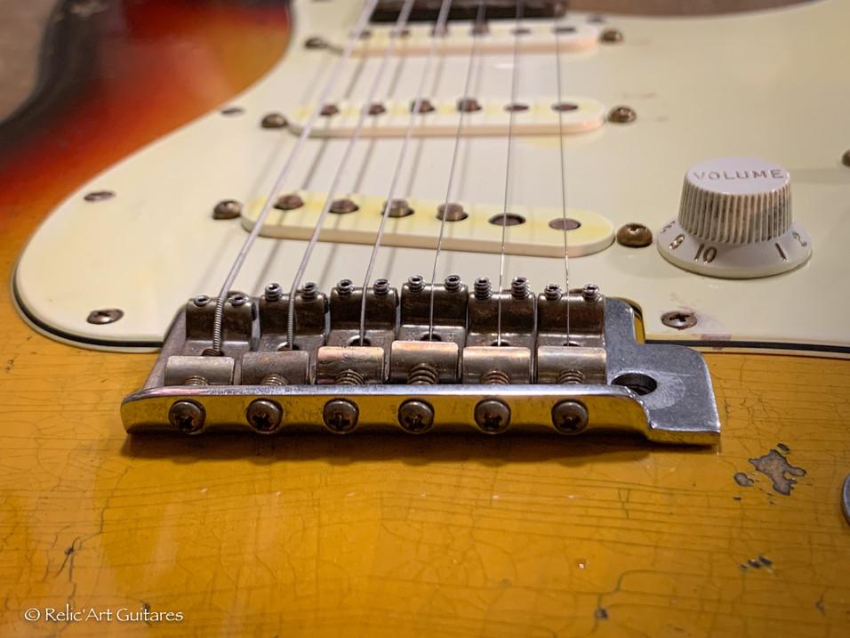 Fender American special RW refin Sunburst relic