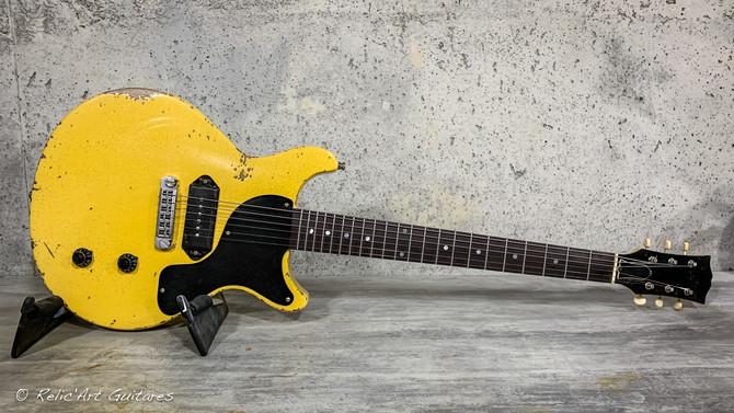 Les Paul Jr DC Tv Yellow relic.jpg