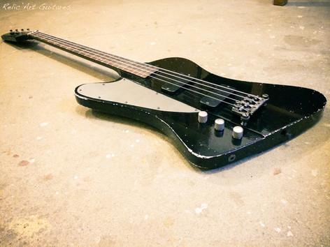 Gibson Thunderbird deep black relic