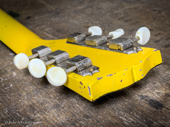 Gibson SG refin Tv Yellow relic