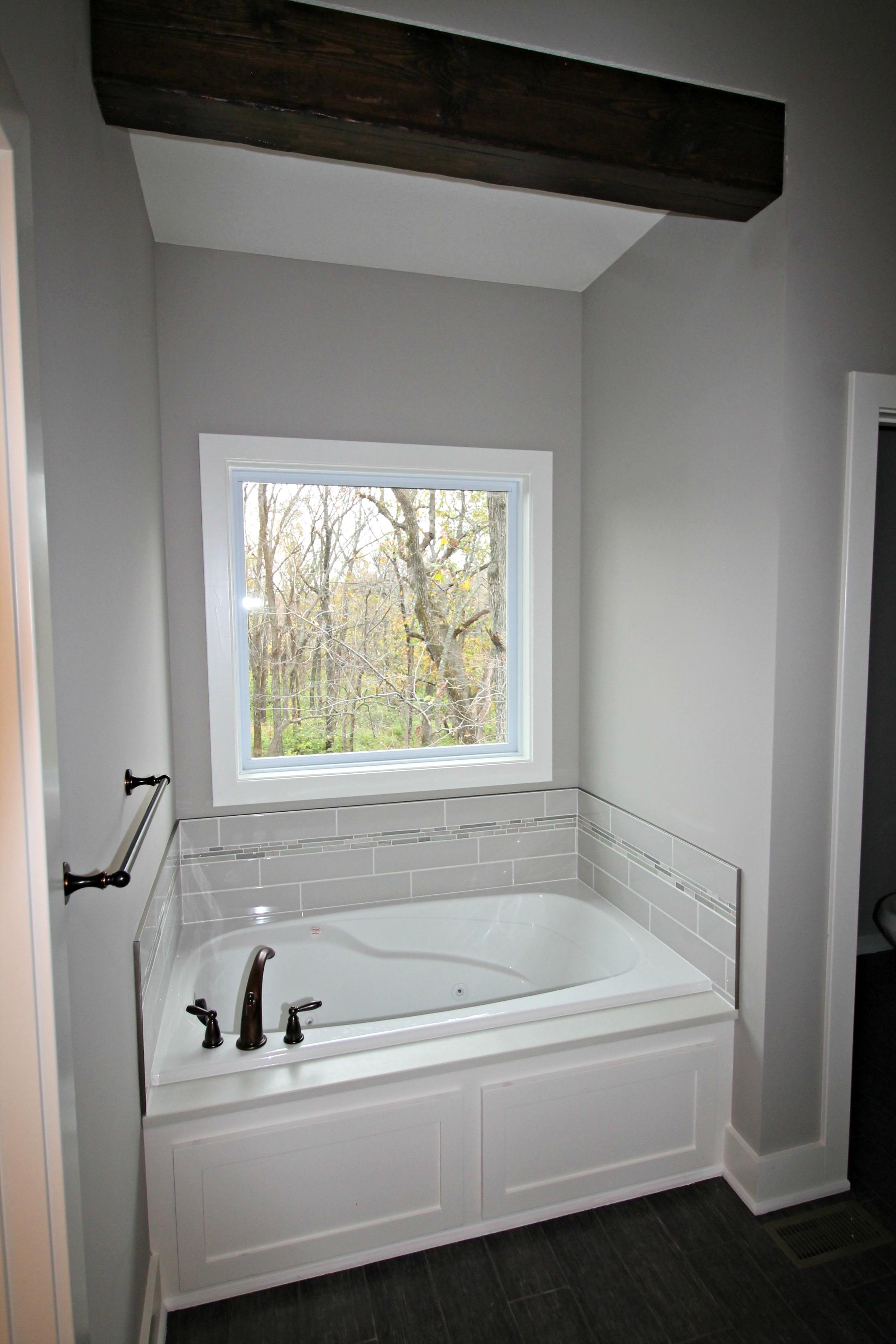 Lot 36 Bathtub