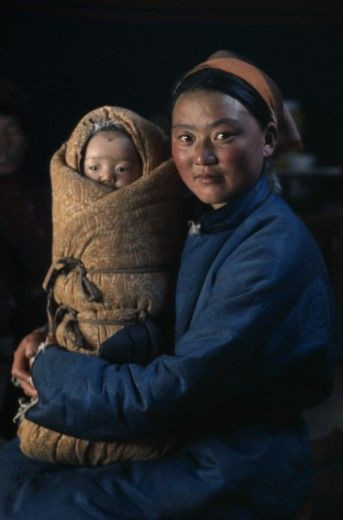 Mongolian mother and baby - Photo by Eye Ubiquitous