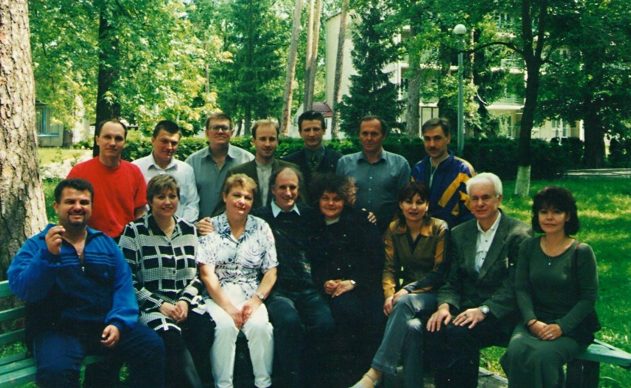 Перший випуск українських викладачів Методу Сільви. 2002 рік. Перший млинець - він і є перший...