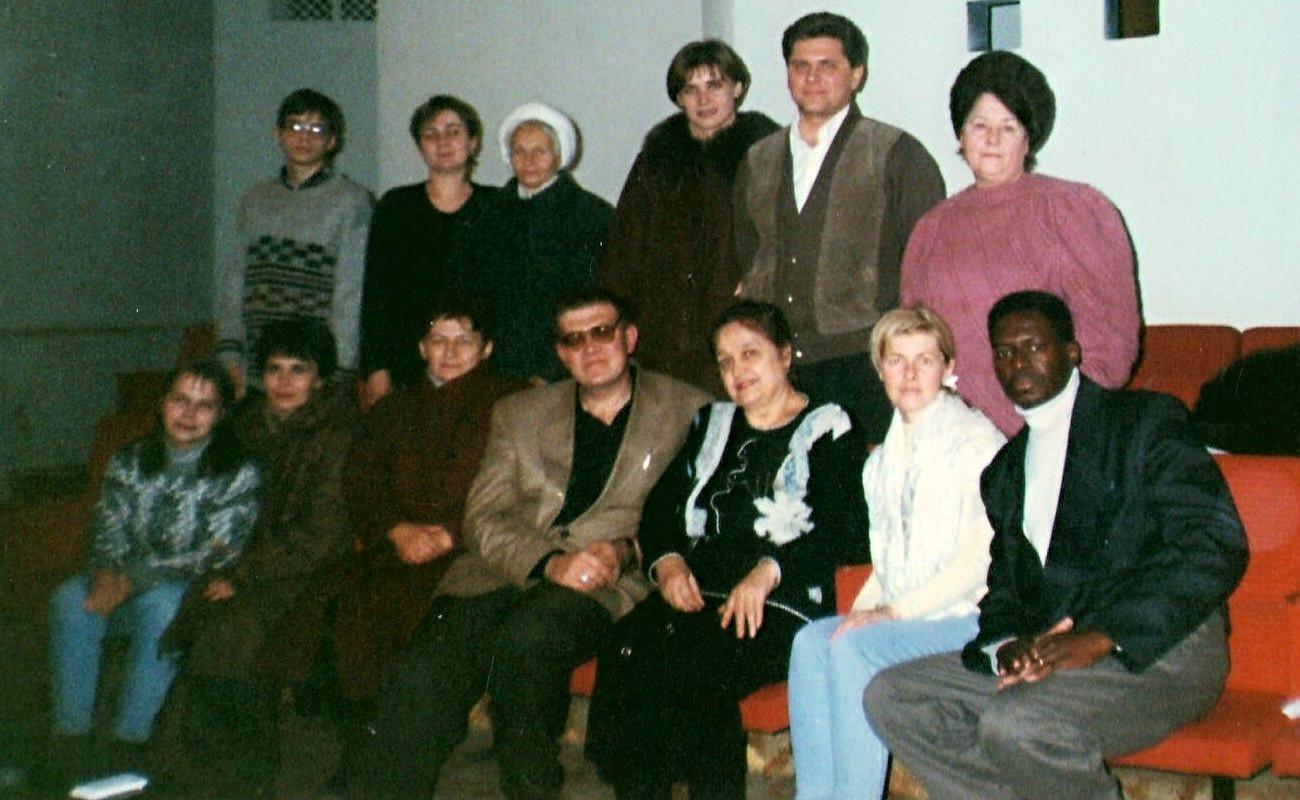 А це вже мої перші випускники. Донецьк. 1999 рік.