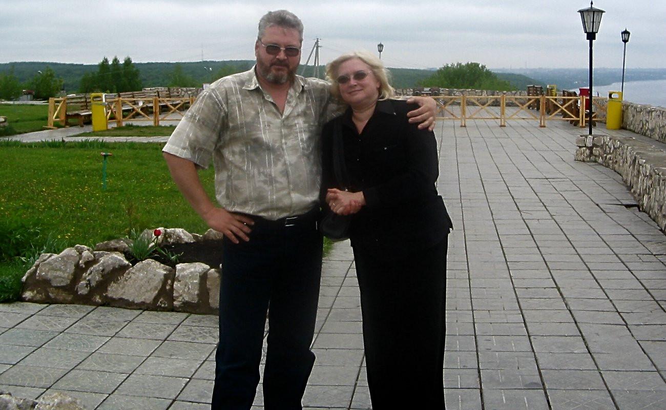 Ірина та Сергій Родіонови. Самара. 2005 рік. Це для Іри ми робили програму Жити! Світла Тобі пам'ять!