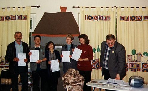 Від московських тренінгів збереглось дуже мало світлин. Десь в дитячому садочку. 2004 рік.