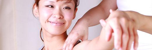 Les motifs de consultations chez l'adulte sont des douleurs de dos, constipation, diarrhé, migraine, stres, fatigue, sciatique, lumbago, cervicalgie, torticolis...