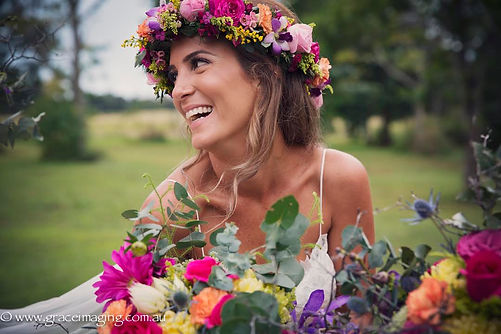 PRETTY BRIDE-WEDDING BOUQUETS AND GARLANDS BY JENNY