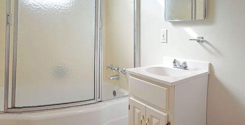 801-bathroom.jpg