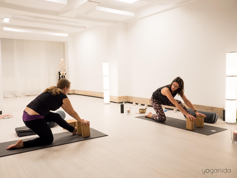 Yoganida_Prenatal yoga 4