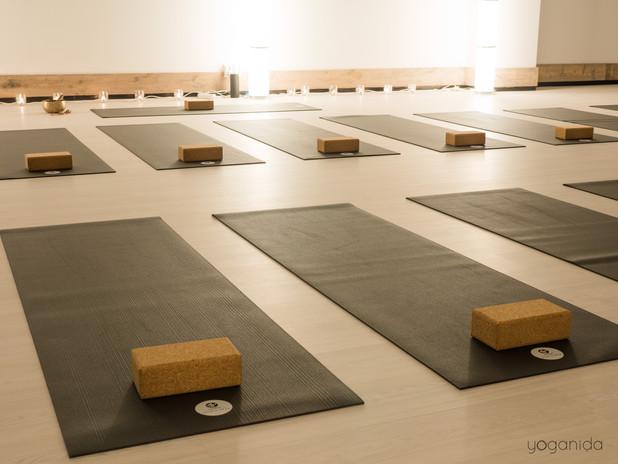 Yoganida_studio 1