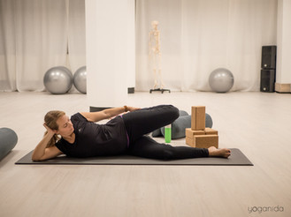 Yoganida_Prenatal yoga 9