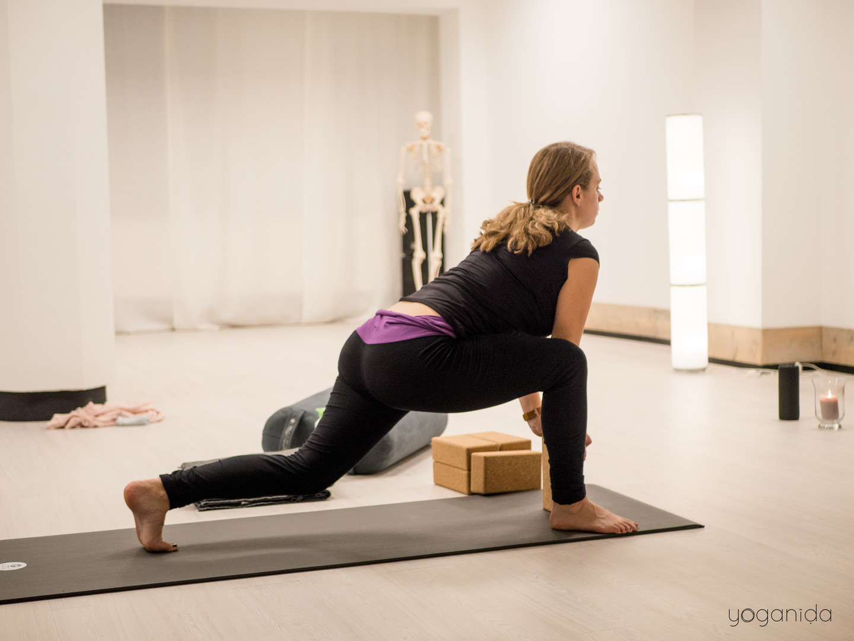 Yoganida_Prenatal yoga 3