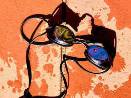 Ever wondered why your goggles fog up? (and what the hell can we do about it?)