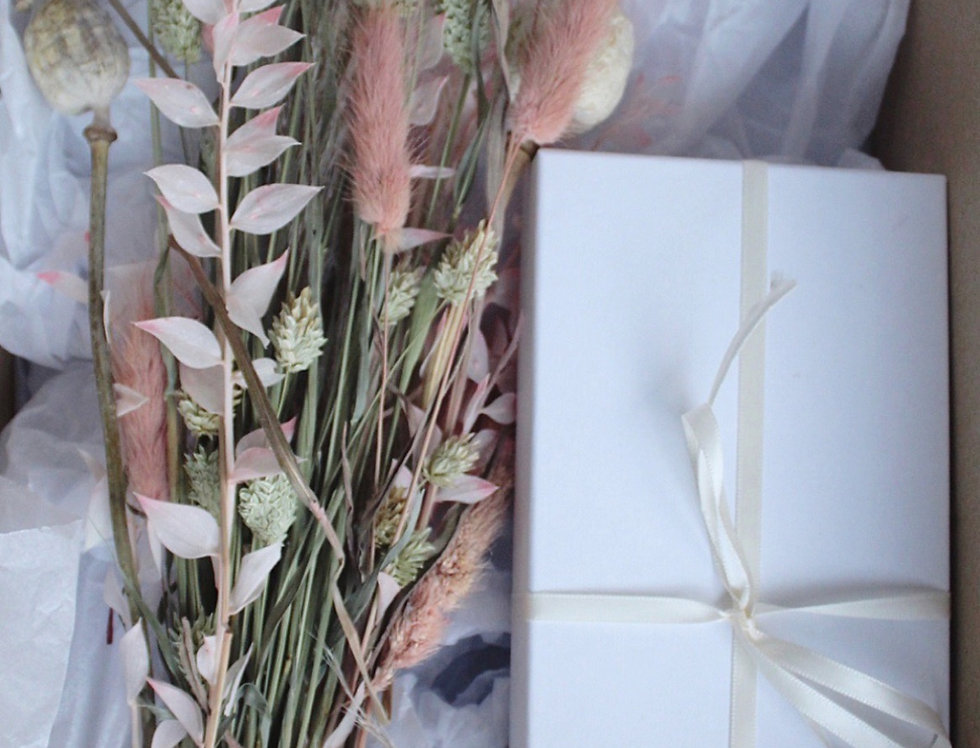 Neutral Dried Flowers & Sweet Treats Gift Box