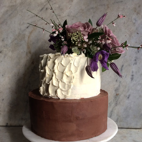 Small 2 tier textured