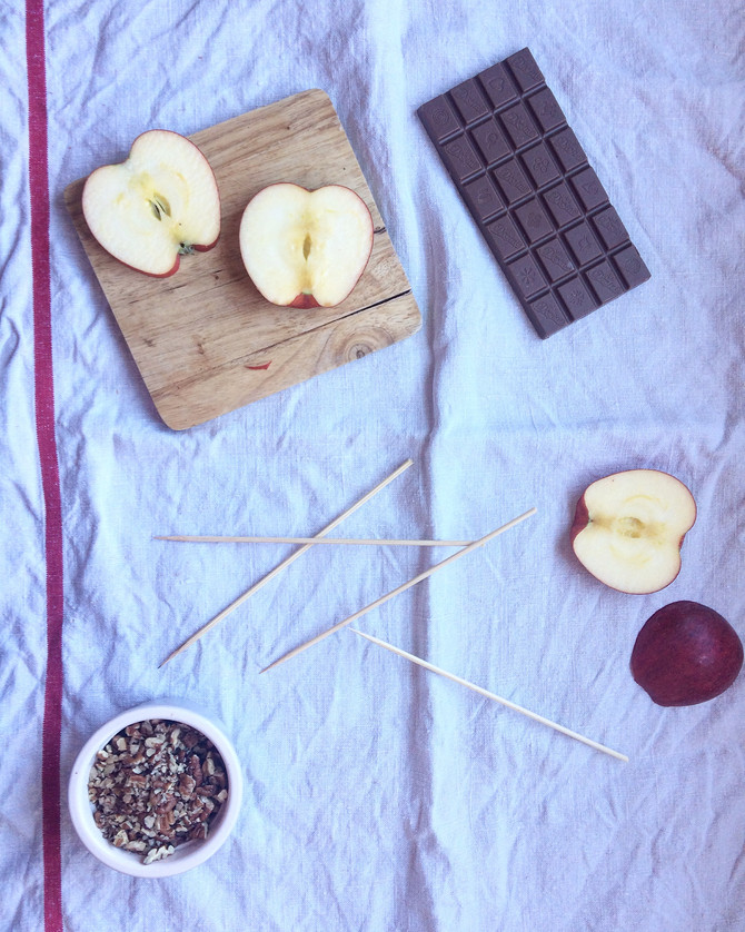 Bonfire Night Apple Lollipops