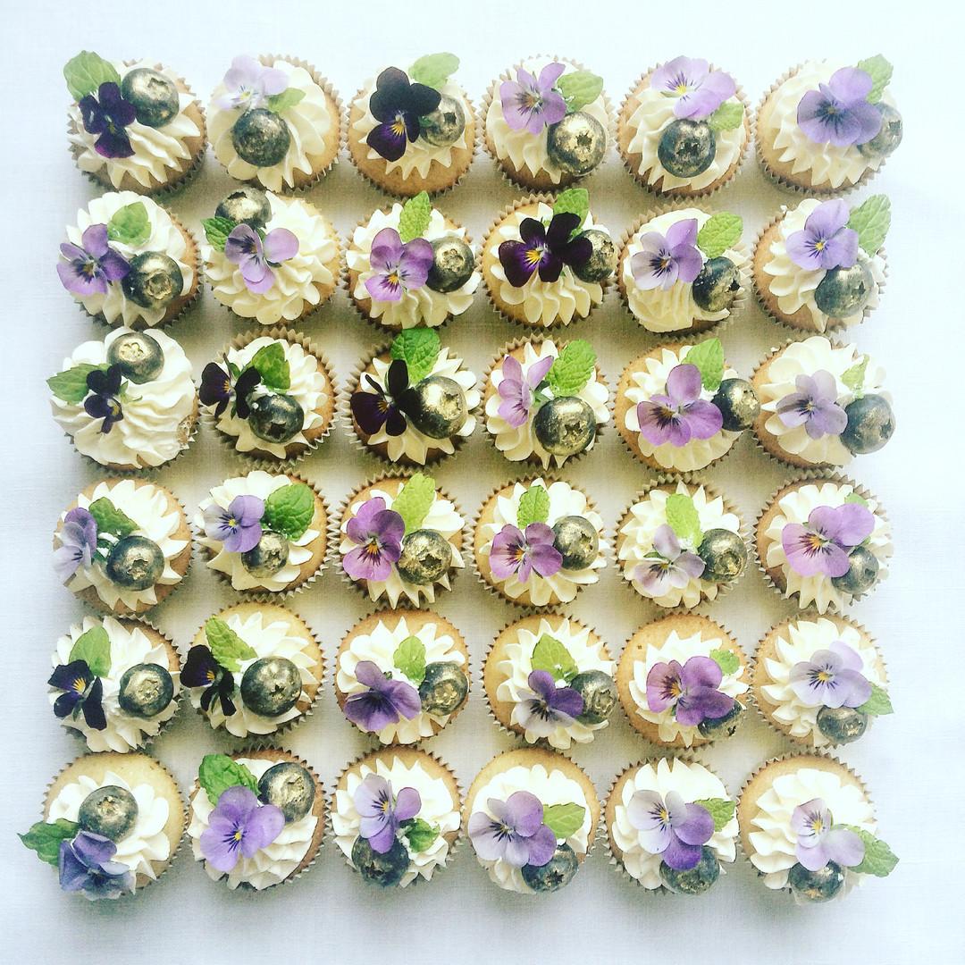 Mini botanical cupcakes