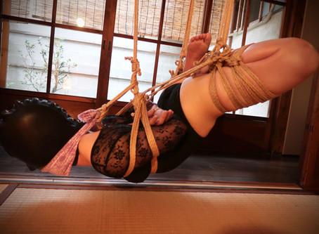 低めの逆エビ吊りと股縄の研究/  Low suspension Gyakuebi position and Matanawa experiment