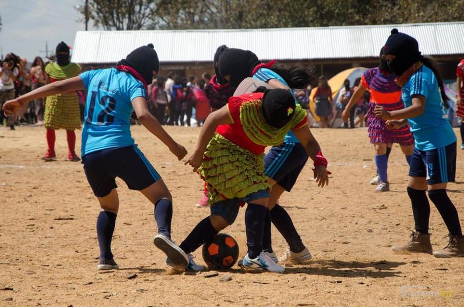 Parole delle donne zapatiste in chiusura del primo incontro internazionale, politico, artistico, spo